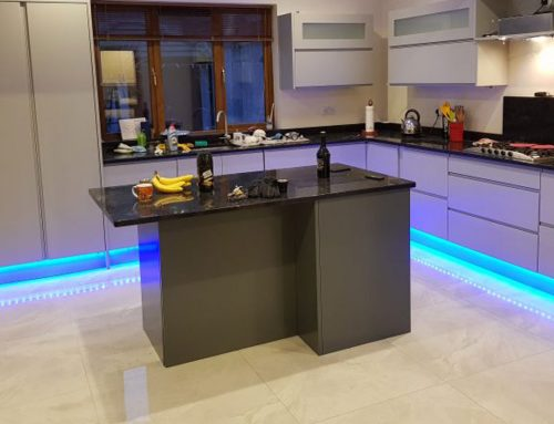 Painted Handleless Modern Kitchen