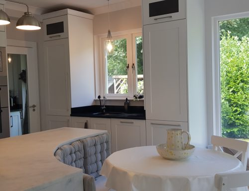 Enniskerry Kitchen With Curved Island Seat